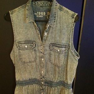 1969●GAP● Sleeveless Denim Dress with side pockets